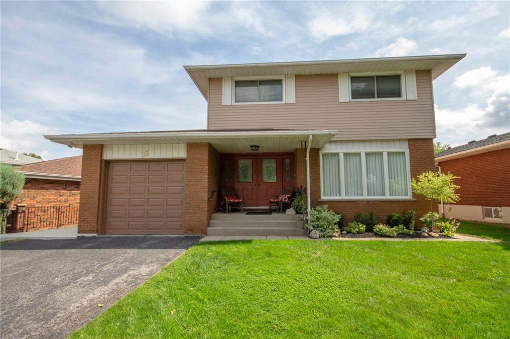 Photo of: MLS# H4036651 15 Geneva Drive, Hamilton