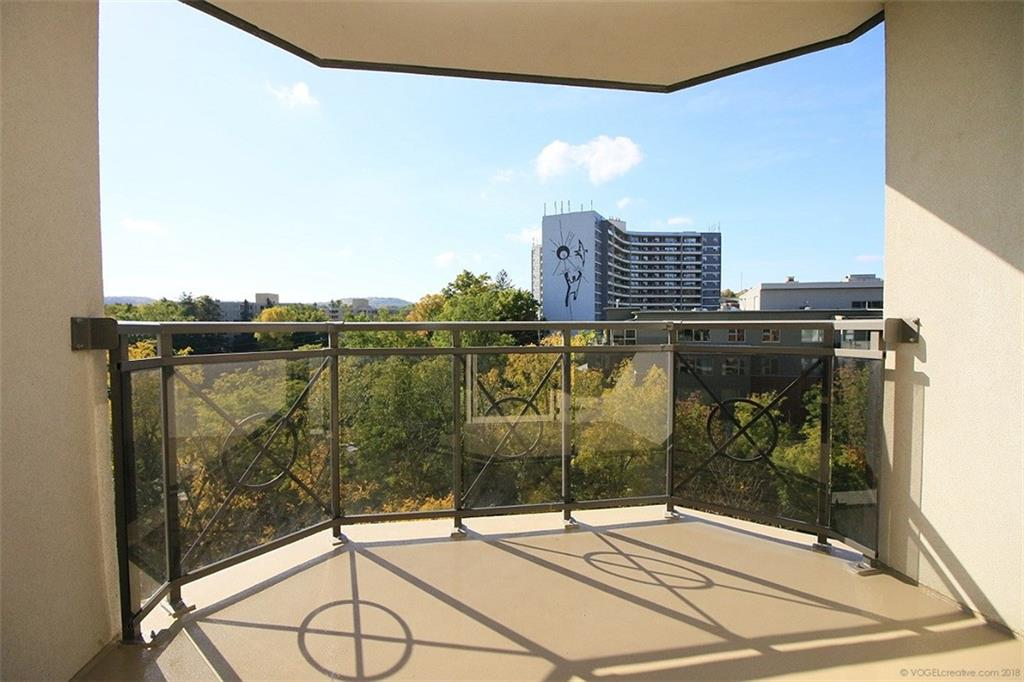 705-1000 Creekside Drive -