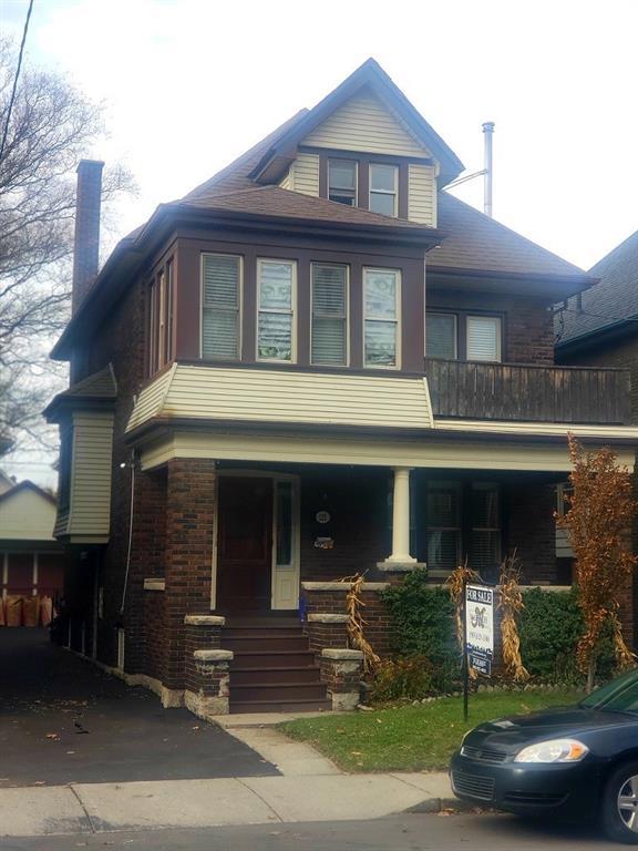 Photo of: MLS# H4041663 122 Carrick Avenue, Hamilton |ListingID=806