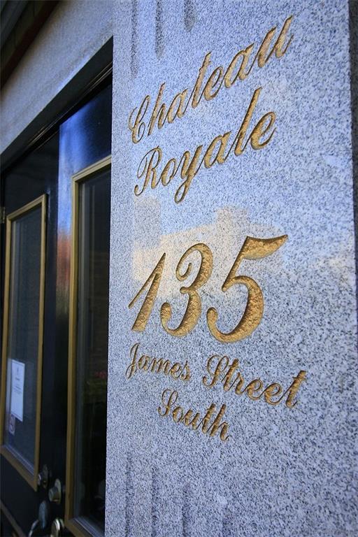 512-135 James Street S  -